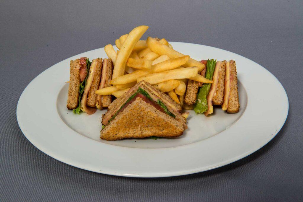 Sandwich de jamón con queso